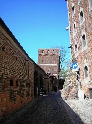 Падающая башня Кшива Вежа Польша Торунь